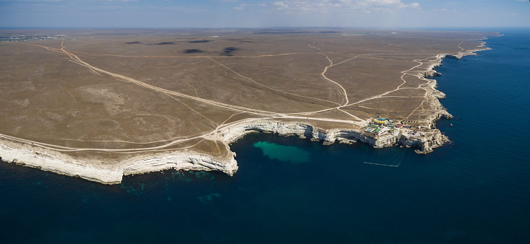 Как выглядит мыс Тарханкут (Оленевка) с моря