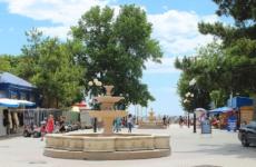 Городской парк Фрунзе в Евпатории — место для активного отдыха евпаторийцев