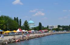 Городская набережная Терешковой в Евпатории