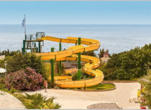 Аквапарк в Симеизе: горки, фото, видео, актуальные цены 2021