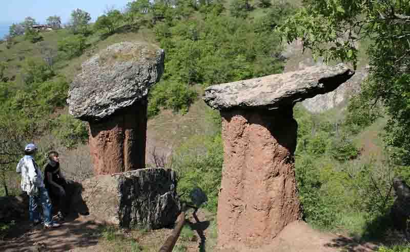 Каменные грибы Сотеры на карте