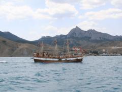 Морские прогулки и экскурсии в Крыму 2021