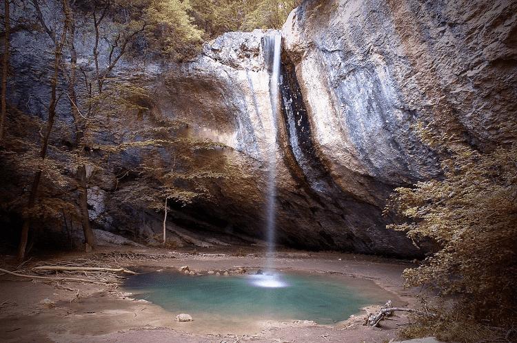 Водопад Козырек в Крыму фото