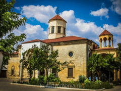 Армянская церковь Сурб-Никогайос в Евпатории: особенности архитектуры и служения