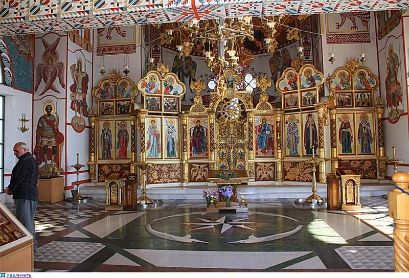 Храм-маяк Николая Чудотворца в Малореченском (Крым) фото