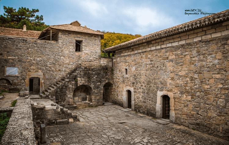 Монастырь Сурб-Хач в Старом Крыму
