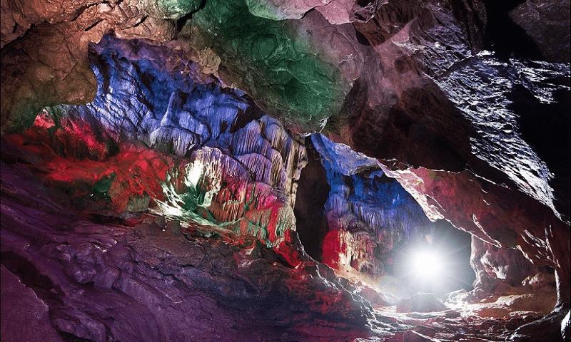 Пещера Тысячеголовая