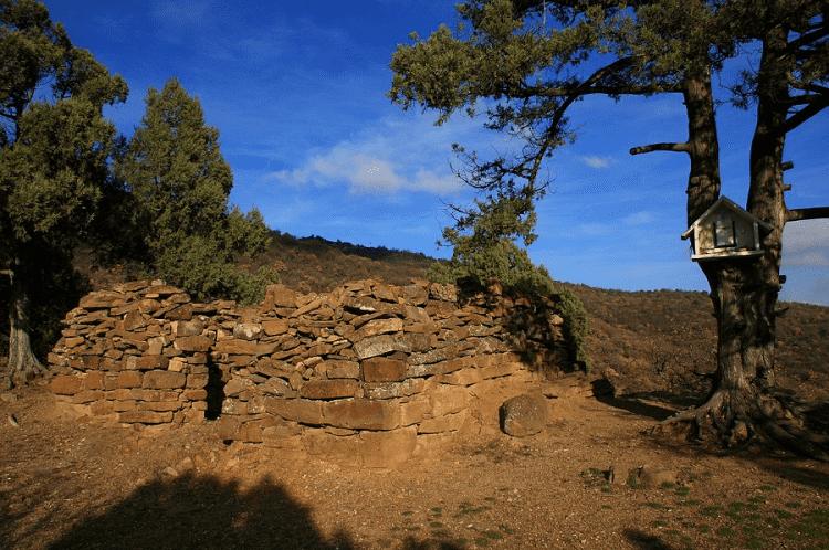 Развалины Византийского монастыря в Судаке фото