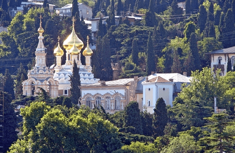 Собор Александра Невского в Ялте фото