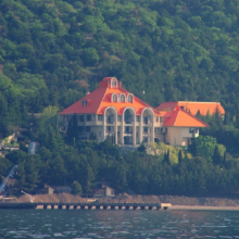 Дача Горбачева в Форосе (в Крыму) и ее история