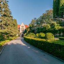 Дворец Харакс и Харакский парк — оригинальное украшение Гарспры
