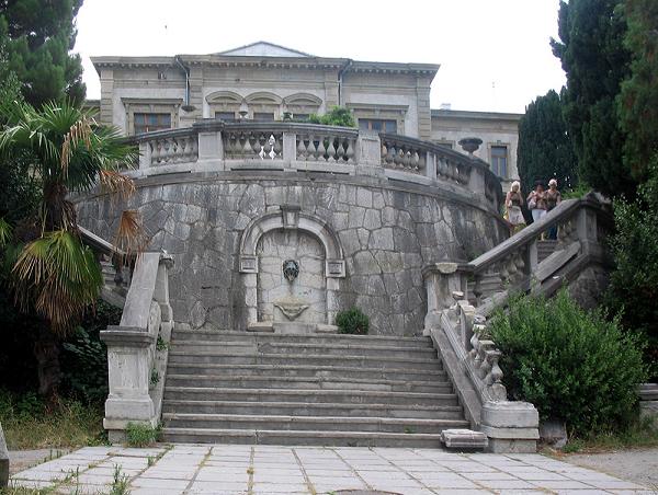 Дворец Мордвинова фото в Ялте