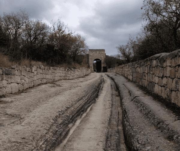 Экскурсия на Чуфут-Кале