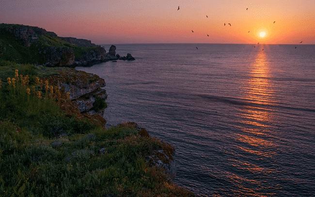 Почему черное море так называется