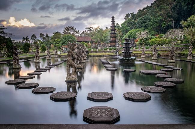 Экскурсии на Бали водный дворец Тирта Ганга