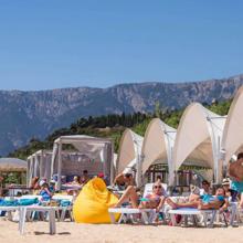 Пляж отеля Ялта-Интурист: один из лучших пляжей на курорте