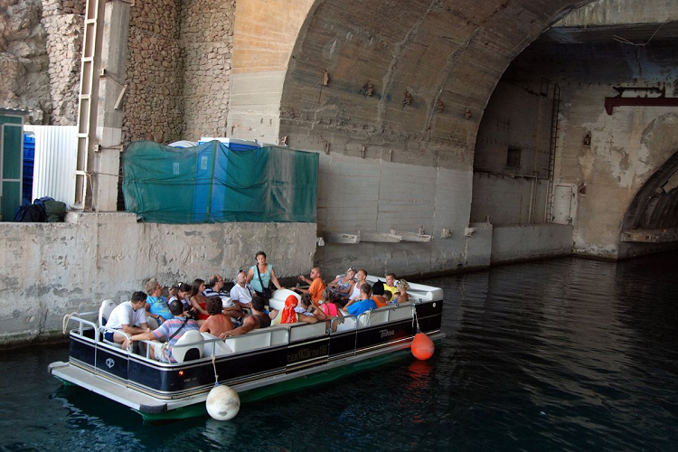 Музей подводных лодок в Балаклаве экскурсия на катере