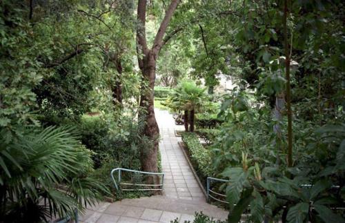 Дворец Дюльбер  парк